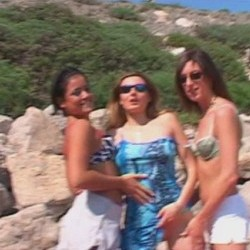 Nuestras pollazas las atacan en la playa, org�a de l�tex. 10:34 minutos