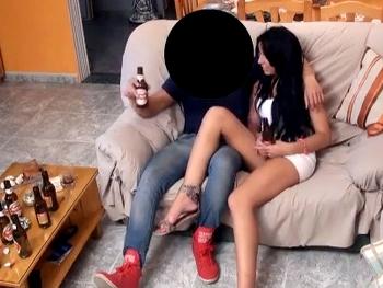 Claudia, 20 añitos y se folla a un ligue de Baddo. Ella quiere ser actriz porno