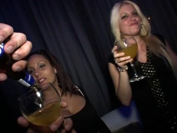 En los privados de la FAKIngs Wild Party (1/4): Las t�as cuanto m�s borrachas, m�s cerdas