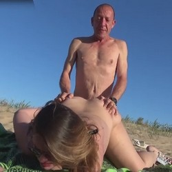 We are Carol and Alberto and go to the beach looking for cocks for my wife