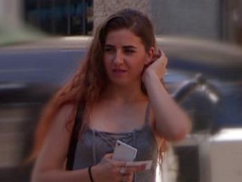 18 añitos tiene Mila y conseguimos convencerla para aparecer en un videoclip de Ricky Machine