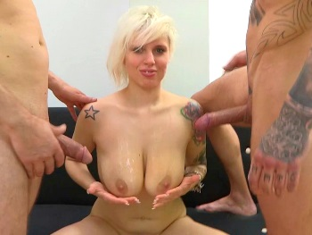 DOUBLE PENETRATION. Antia is ready to fulfill her dream: dicks by the pair.
