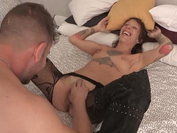 Women love their pussy eaten. Just watch Azalea squirming in pleasure.
