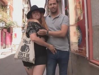 Tribus Urbanas X. la hipster malasañera se folla al pijo del PP. Las dos Españas hacen el amor