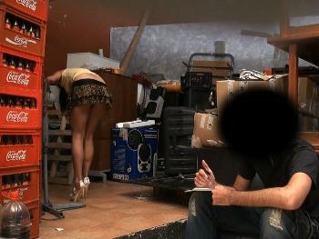 VENGANZA !!! Ana, la camarera demuestra que su encargado es un hijo de puta