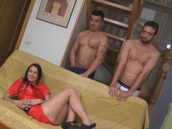 La escena mas salvaje de Ana Rivera. Doble penetracion y orgasmos anales