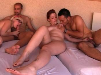 Fiesta en la piscina, cervecitas, solecito, chicas guapas y ORGÍA con quien se quiera apuntar
