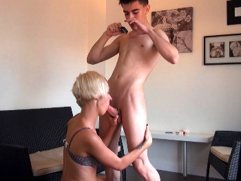 Jordi has an appointment for a good fuck session with Letizia Hilton and sends us this video. The Cock Child pickups.